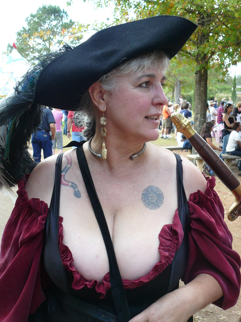 Boob cleavage faire girl renaissance