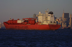 BOW SPRING in New York, USA. 2006 (Tom Turner - SeaTeamImages / AirTeamImages) Tags: nyc red newyork port bay harbor spring marine ship harbour transport pony maritime bow transportation bigapple tanker chemical tomturner odfjell seachem bowspring odfjellseachem