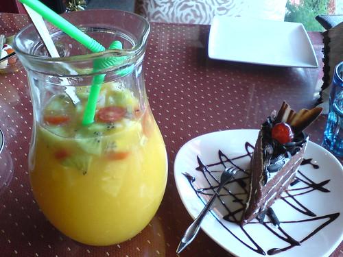 水果茶+蛋糕