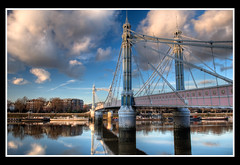 Albert Bridge at sunset (Simon Vardy) Tags: city sunset reflection london battersea riverthames hdr albertbridge photomatix supershot allrightsreserved bwcircularpolariser mywinners nikond2xs flickrplatinum allrightsreserved diamondclassphotographer simonvardy theperfectphotographer nikonafsdx1755mmf28