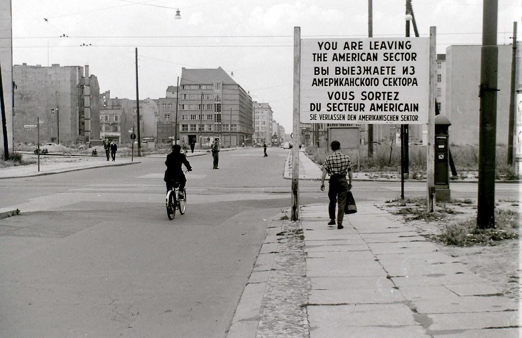 La Historia del Muro de Berlin en Imagenes