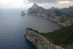 El millor panorama de Mallorca / The best panorama in Mallorca (SBA73) Tags: sea panorama clouds spectacular mar mediterranean mediterraneo view cliffs nubes mallorca pasoscatalans baleares nuvols formentor balearic acantilados illesbalears espectacular mediterrani sesilles aplusphoto diamondclassphotographer estimbats 100commentgroup