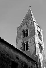 High above (Dimiti) Tags: blackandwhite bw italy church nikon italia noiretblanc nb bn chiesa tuscany d200 nikkor toscana 2008 italie biancoenero blancinegre maremma capalbio eglise