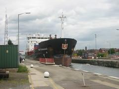 Tight squeeze (_4cryingoutloud) Tags: ship lock tanker stolt capstan manchestershipcanal latchfordlocks stoltcormorant