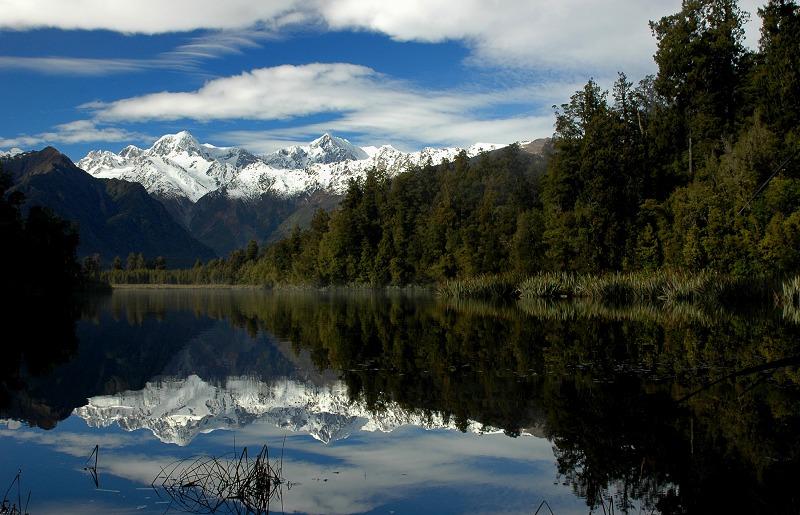 湖泊與雪山