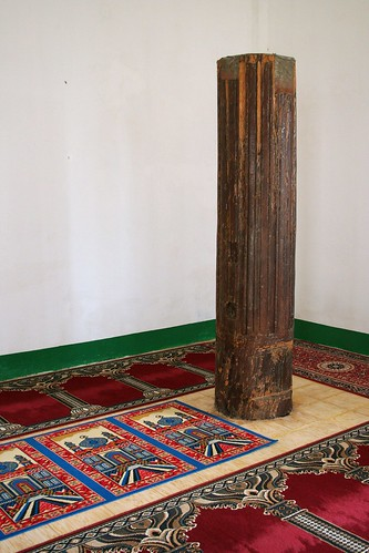 old post inside Sheik Makhdum Mosque-1