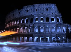 colosseo with the bus (t.andy) Tags: italy rome roma bus luna autobus colisseum colosseo notturno andreatrifilidis