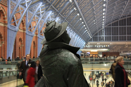 16th November 2007: Sir John Betjeman, St Pancras International