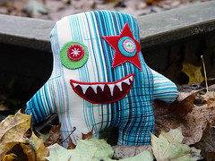 spanish_monster-001 (revoluzzza) Tags: baby berlin monster toy design kid child puppet spielzeug puppe kuscheltier monstre revoluzzza