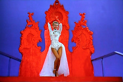 Vera Ellen TV Shot (Walker Dukes) Tags: mandy red white film beauty television photoshop canon xt tv screenshot glamour 1954 hollywood actress bingcrosby movies filmstill filmstills actor canonxt whitechristmas diva tcm moviestills divas moviestill tvshot turnerclassicmovies moviestars rosemaryclooney tvshots oldmovies dannykaye oldhollywood picturesofthetelevision redgloves memepaspeur veraellen televisionshot flickrglam chercherlafemme fiickrglam