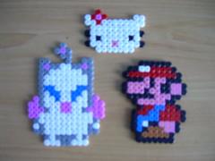 Moguri del ff, Hello Kitty y Mario en Hama beads (Garumiru) Tags: mario hellokitti llaveros hamabeads