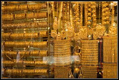 image of dubai gold souk retail shop display