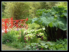 Marle Place Gardens ( Bo ) Tags: bridge red green garden kent post haribo sighs marle of favoritegarden megashot marleplacegardens haribosphotos