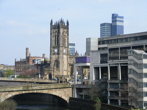Manchester Cathedral from Blackfriars Bridge por Coradia1000.