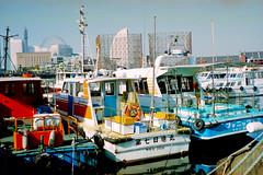 Old Port (utis emanon) Tags: 2003 japan 50mm voigtlander yokohama filmcamera fujicolor negativefilm canoscan9950f sp100 colorskopar50mmf38 vitoi