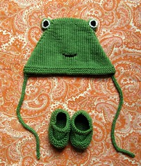 lucy's froggy bonnet & booties (flint knits) Tags: baby green grass knitting shine jane top mary adorable knit down bonnet froggy booties picks helloyarn