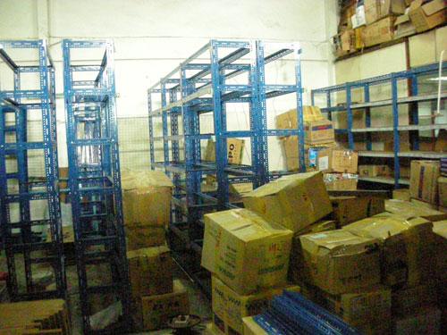 boxes-racks