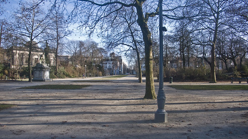 Parc de Bruxelles (French) or Warandepark (Dutch)