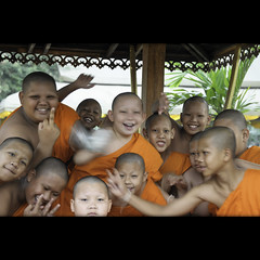 Joy (Yorick...) Tags: students kids joy young monks playfull nen rightnow righthere thatsimple