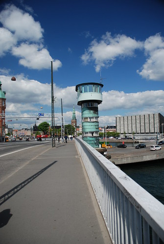 Knippelsbro - Modernist bridge design and the Danish National Bank in the background