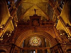 Reflejos de luz (microlito) Tags: bravo catedral len castilla gtico supershot mywinners abigfave anawesomeshot impressedbeauty