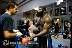 Kimbo Slice training for Nov.10th fight (Esther Lin  all elbows) Tags: street beard fight slice kimbo mma elitexc kimboslice