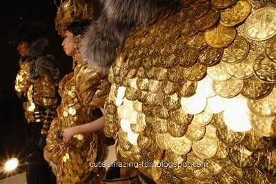 gold coins outfit0