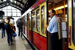 il tempo....verr (rosa_pedra) Tags: berlin germany metro sbahn germania berlino metr fotodistrada mcb1503 mostracarma