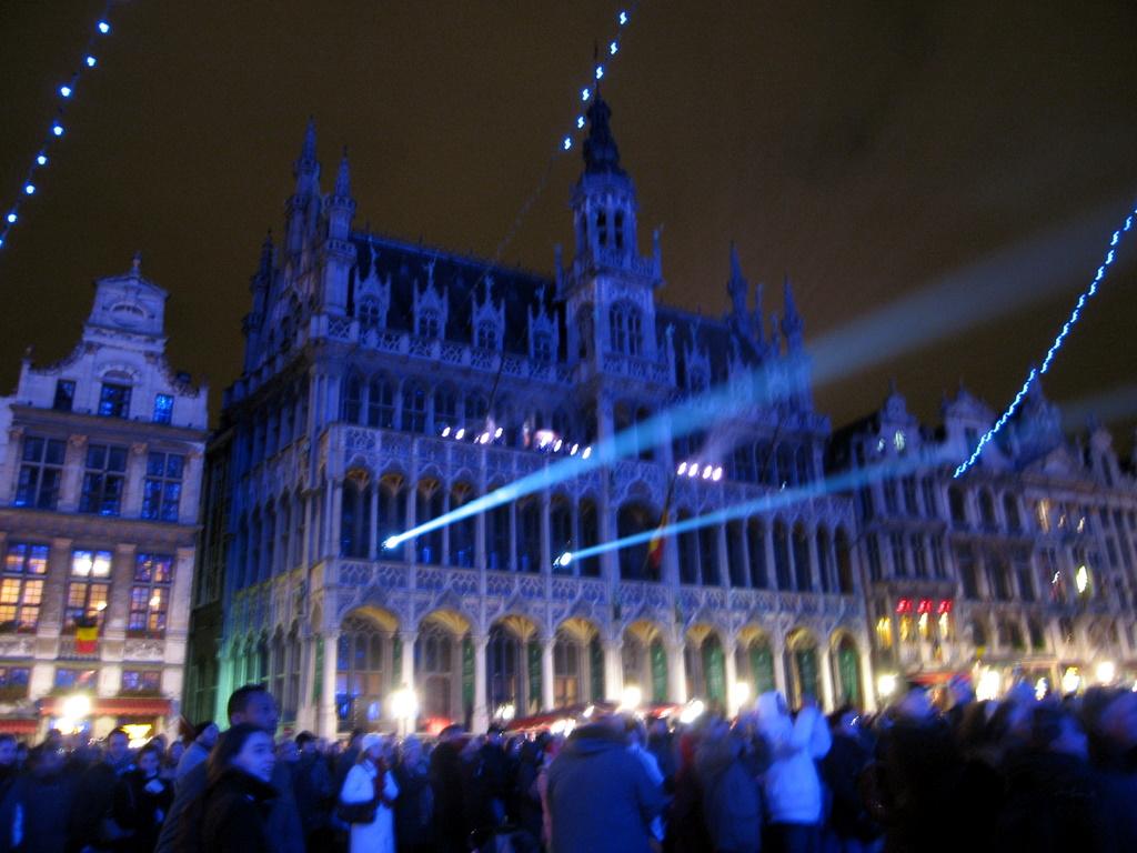 Maison du Roi - providing spotlights to Town Hall