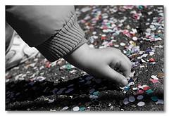 little hand..... big power.. (niko si ) Tags: city family carnival light italy white black rome color roma blanco luz colors children nikon italia colore hand little amor negro ombra ciudad mano carnevale colori bianco nero amore luce citt d80