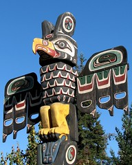 Totem Eagle (wolfpix) Tags: sculpture art wooden eagle artistic landmarks skulptur sculptuur totem carving escultura nativeamerican la