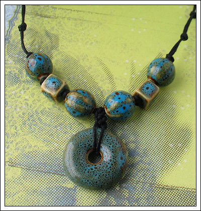 Porcelain bead necklace 3
