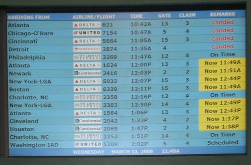 photo of arrivals and departures screen in savannah, georgia