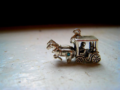 horse and carriage with blue diamond