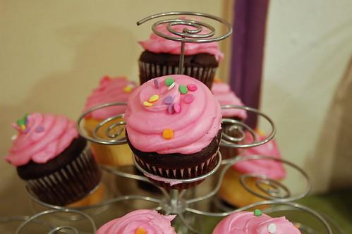 Pink cupcakes - yum!