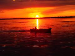 SUN CUTER (Pablo Corts) Tags: argentina enjoy puestadesol corrientes pesca canoa disfruta rioparana pablocortes pablocorts mallonero