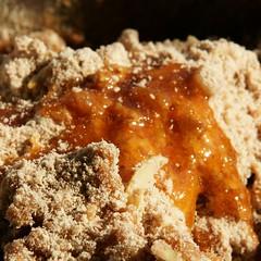 Honig und Birnendicksaft hinzu