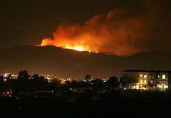 De Luz/Temecula fire when it was raging this morning (kjdrill) Tags: california people usa by fire italian sandiego national temecula geographic firestorm raging fallbrook ngi deluz