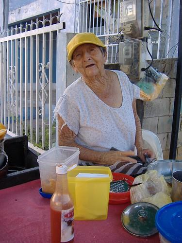 Delia de los Robles, 60 años haciendo empanadas.