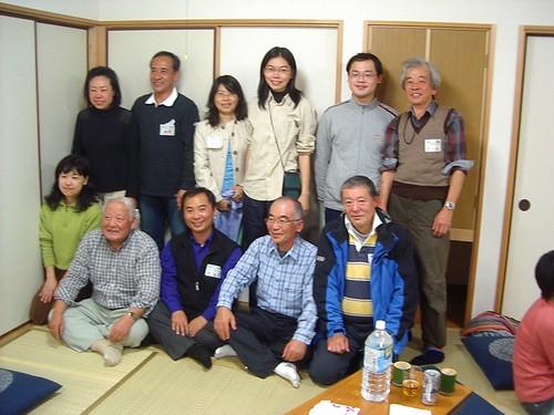 與日本志工們大合照