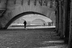 (sbrrmk) Tags: life blackandwhite bw paris france art europe parisian hayat lightroom urbanlife avrupa fransa siyahvebeyaz lesparisiens