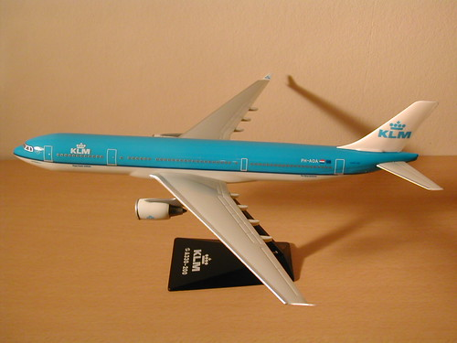 KLM - Royal Dutch Airlines Scale 1-200 model Airbus A330-200 PH-AOA