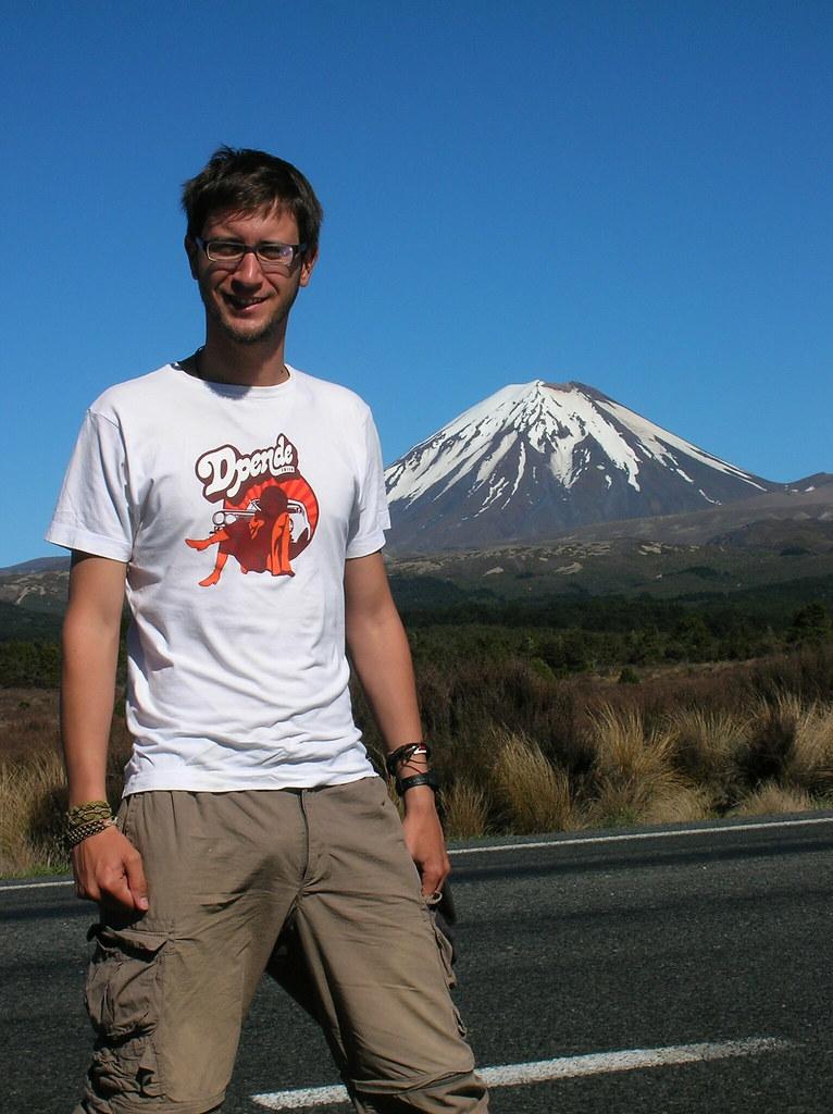 Volcán de Ngauruhoe, blog la vuelta al mundo de ana y dani, entrevista la vuelta al mundo de ana y dani, vuelta al mundo, round the world, información viajes, consejos, fotos, guía, diario, excursiones