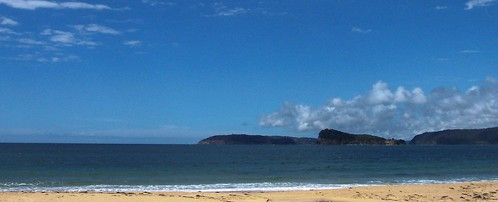 Barrenjoey Head & Lion Island from Ocean Beach SLSC