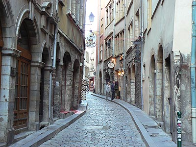 rue saint jean, ou tout à côté ....jpg
