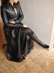 Cuero y botas (lady_dulciny_boots) Tags: black leather clothing topf50 legs boots coat fulllength silk satin lining diosa topv6666 crosslegged nylonstockings