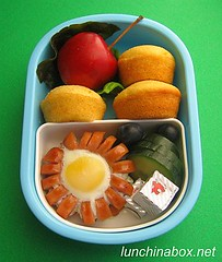 """Sausage flower"" bento lunch for preschooler (Biggie*) Tags: food cheese cucumber wiener howto sausages hotdogs friedegg cornbread tutorial blueberries wieners crabapple biggie lunchinabox minimuffins quailsegg quailegg cheesecubes cornbreadmuffins flowersausage ssbiggie lunchinaboxnet cornbreadminimuffins shapedsausages friedquailegg twittermoms"