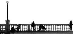 La terrazza alla fine dei mondi (.Eril) Tags: life light people bw white silhouette comics lens person shadows terrace bn ombre reality sandman plus highkey fumetti onwhite livorno bianco luce controluce vita neilgaiman contrasto realt terrazzamascagni nikond80 oniricamente geometrictonalvision lalocandaallafinedeimondi worldsendinn pscontestsilhouette