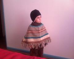 Salvador y su poncho chilote