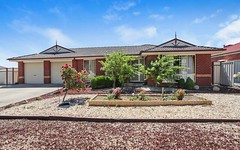 2 Moreton Close, Caroline Springs VIC